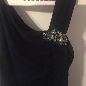 Dresses & Skirts - Navy blue formal dress with gorgeous accents